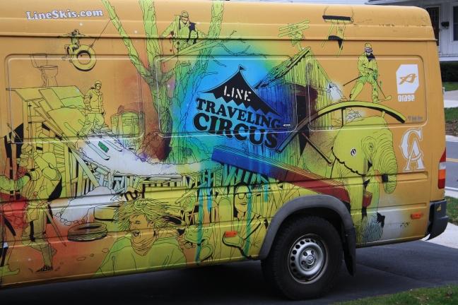 line-traveling-circus-dec-2012